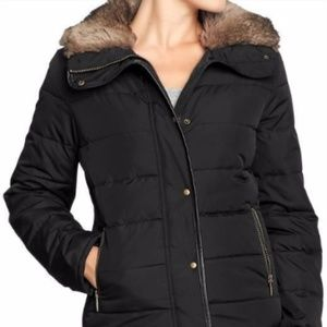 Black Old Navy Puffer Jacket with Faux Fur Collar